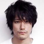 [2015年7月夏ドラマ]松山ケンイチが16年後の実写化で30歳のダメ男ひろしに!「ど根性ガエル」